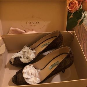$650 Prada shoes with box size 38.5